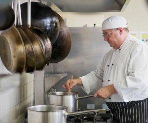 赴丹麦希勒勒寿司店-寿司师傅2名、泰餐师傅1名