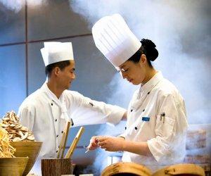 赴丹麦尼堡-饭店厨师2名(需带爱人)