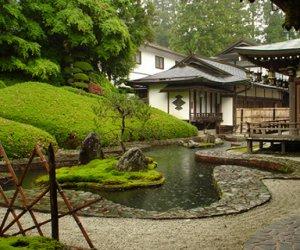 赴日本-温泉旅馆服务人员