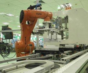 赴日本技术人员-机器人加工组装