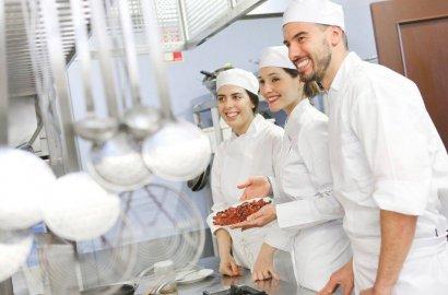 【知行国际】欧洲厨师集中招聘,年前申请,年后出境!正规工作签证,年薪创收可达30-50万人民币不等!
