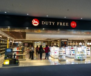 赴日本—品牌店机场免税店工作人员
