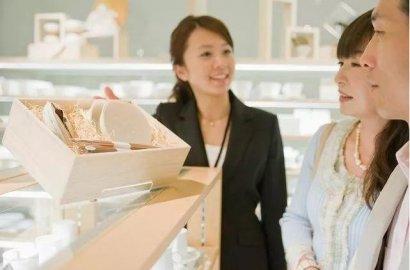 「日本就职」日本的女性服务员为什么很有气质