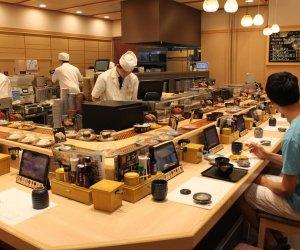 日本特定技能1号—大型寿司店服务员及后厨