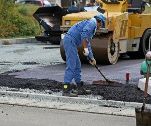 日本长野县道路铺装职