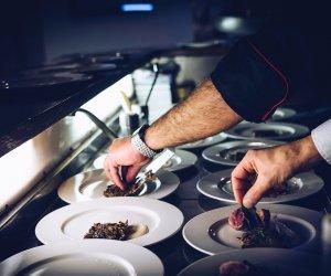 赴新西兰(奥克兰)-连锁中餐馆招聘厨师8名